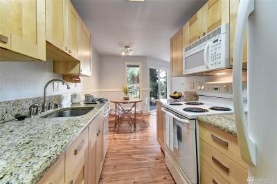 Kirkland Condo/Townhouse For Sale: 12742 NE 116th St #J-33