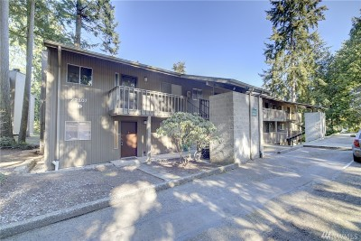 Mountlake Terrace Condo/Townhouse For Sale: 22107 66th Ave W #1D