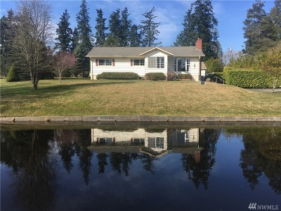 Poulsbo Single Family Home For Sale: 101 NW Olivia Rd
