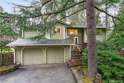 Mercer Island Single Family Home For Sale: 9910 SE 40th St