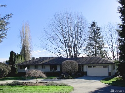 Snohomish Single Family Home For Sale: 303 Cypress Lane