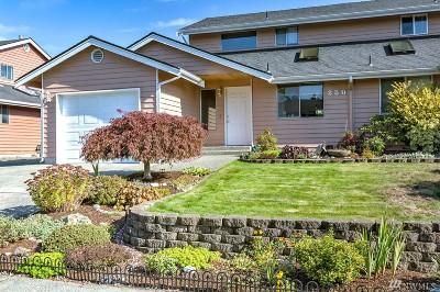 Oak Harbor Condo/Townhouse Pending: 250 NE Nunan Lp #1
