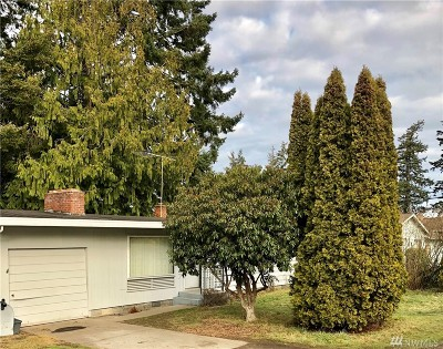 Oak Harbor Single Family Home For Sale: 587 NE Oleary