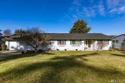 Oak Harbor Single Family Home Pending: 2147 Heritage Way