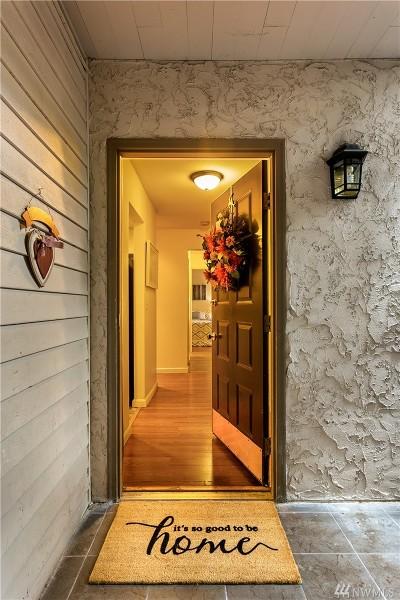 Bellevue Condo/Townhouse For Sale: 10516 NE 32nd Place #J106