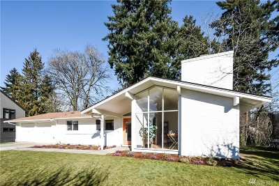 Mercer Island Single Family Home For Sale: 8432 SE 34th Place