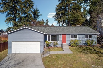 Everett Single Family Home For Sale: 415 75th Place SW