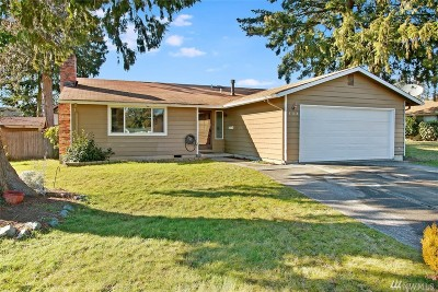 Sedro Woolley Single Family Home Pending Inspection: 738 Bingham Place