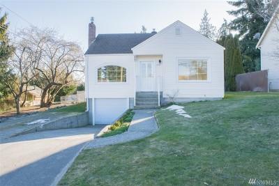 Single Family Home For Sale: 914 Pecks Dr