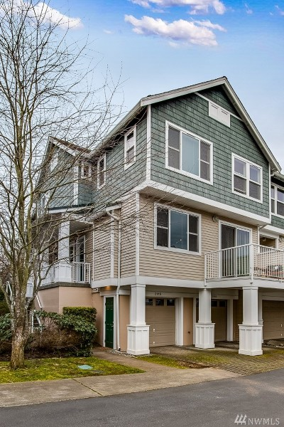 Seattle Condo/Townhouse For Sale: 2916 SW Raymond St