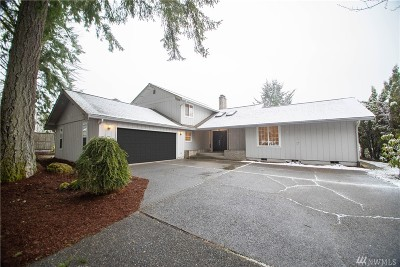 Olympia Single Family Home Pending Inspection: 1706 Medallion Lp NW