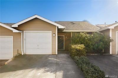 Everett Condo/Townhouse For Sale: 901 E Marine View Dr #203
