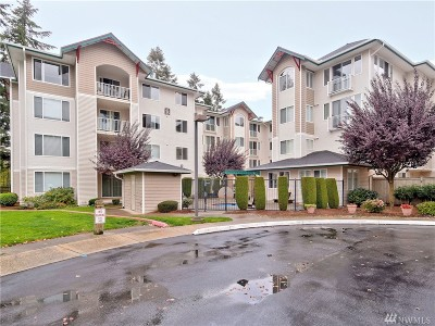 Newcastle Condo/Townhouse For Sale: 13301 SE 79th Place #B407
