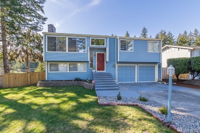 University Place Single Family Home Contingent: 5022 66th Av Ct W