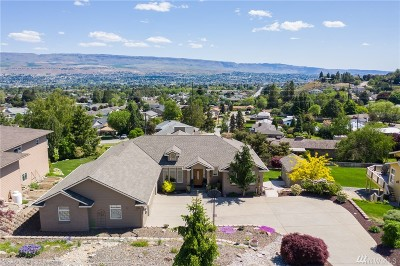 Chelan County Single Family Home For Sale: 781 Queens Ct
