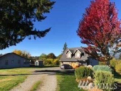 Maple Valley Single Family Home For Sale: 26844 SE 208th St