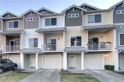 Tacoma Condo/Townhouse For Sale: 5305 Military Rd E #D