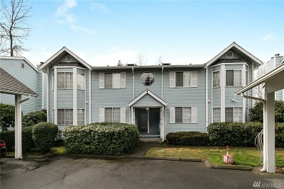 Renton Condo/Townhouse For Sale: 10821 SE 172nd St #4B