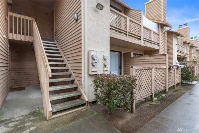 Seattle Condo/Townhouse For Sale: 12434 Ambaum Blvd SW #B106