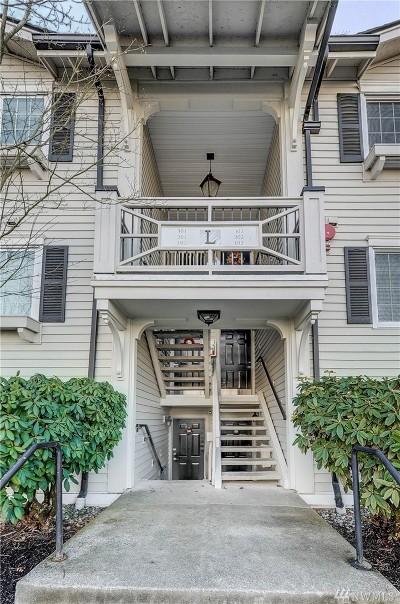 Everett Condo/Townhouse For Sale: 12404 E Gibson #L102