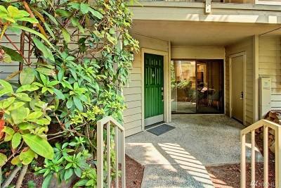 Bellevue Condo/Townhouse For Sale: 1270 Bellevue Wy NE #3
