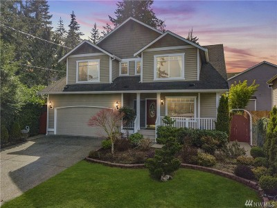 Lynnwood Single Family Home For Sale: 1626 S Lake Stickney Dr