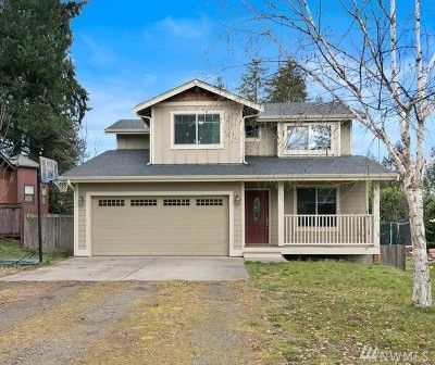 Port Orchard Single Family Home Pending Inspection: 2835 SE Calaveras St
