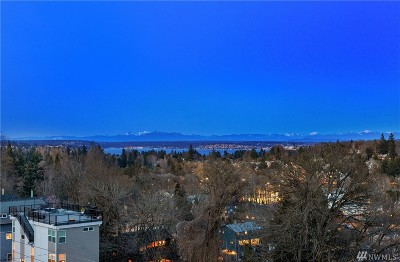 Seattle Single Family Home For Sale: 325 25th Ave E