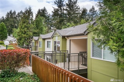 Federal Way Condo/Townhouse For Sale: 31500 33rd Place SW #N103