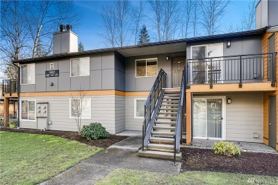 Bothell Condo/Townhouse For Sale: 10831 NE 147th Lane #R201