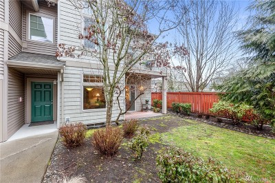 Renton Condo/Townhouse For Sale: 15325 SE 155th Place #V6