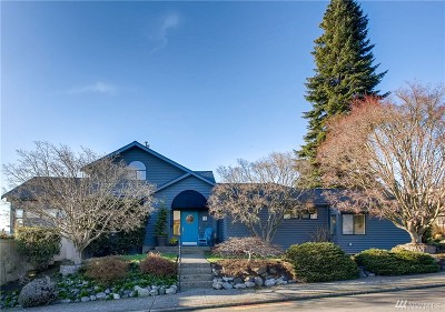 Kirkland Single Family Home For Sale: 721 4th St W