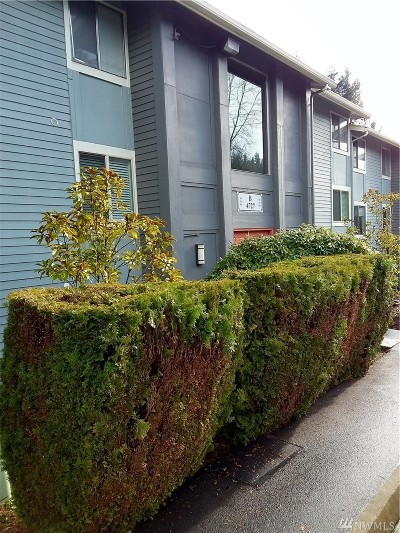 Issaquah Condo/Townhouse For Sale: 4727 W Lake Sammamish Pkwy SE #B201