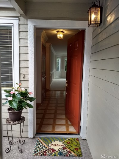 Issaquah Condo/Townhouse For Sale: 4213 223rd Place SE