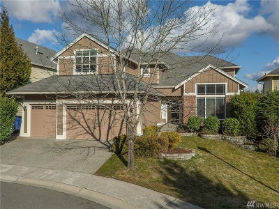Sammamish Single Family Home For Sale: 1022 233rd Place NE