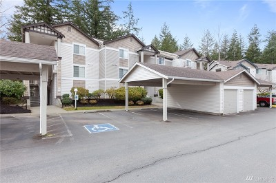 Issaquah Condo/Townhouse For Sale: 25235 SE Klahanie Blvd #C-103