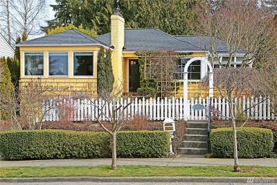 Seattle Single Family Home For Sale: 3240 W Viewmont Wy W