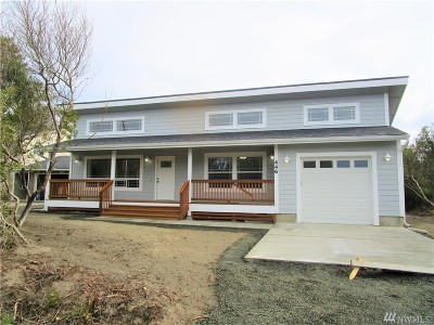 Grays Harbor County Single Family Home For Sale: 170 N Razor Clam Dr SW