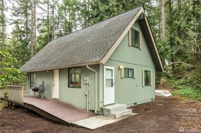 Yelm Single Family Home Pending: 18744 Sylvan Dell Ct SE