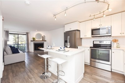 Shoreline Condo/Townhouse For Sale: 710 N 160th St #B106