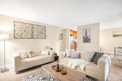 Bellevue WA Condo/Townhouse For Sale: $375,000