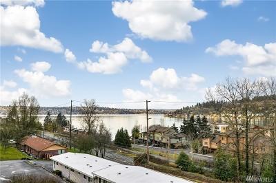 Renton Condo/Townhouse For Sale: 4100 Lake Washington Blvd N #B202