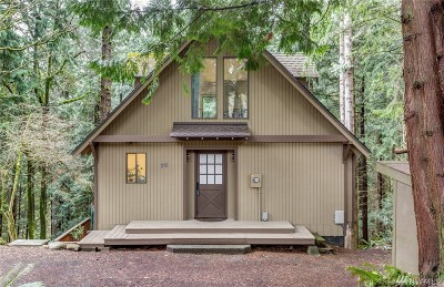 Bellingham Single Family Home For Sale: 26 High Cliff Lane