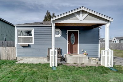 Buckley Single Family Home For Sale: 275 S Perkins St