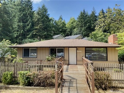 Shoreline Single Family Home For Sale: 16525 Carlyle Hall Rd N