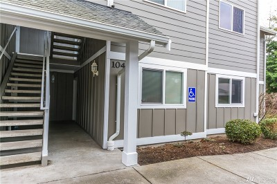 Condo/Townhouse For Sale: 1700 SW Mulberry Place #A104