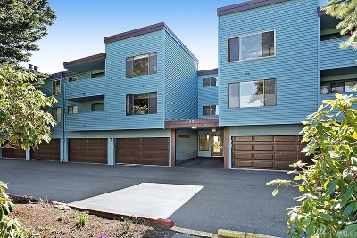 King County Condo/Townhouse For Sale: 233 SW 154th St #108