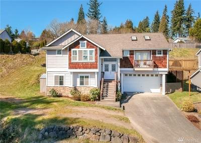 Single Family Home For Sale: 210 66th Av Ct E