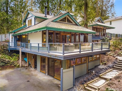 Bainbridge Island Single Family Home For Sale: 8950 Woodbank Dr NE