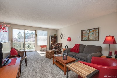 Pierce County Condo/Townhouse For Sale: 1460 Alameda Ave #8